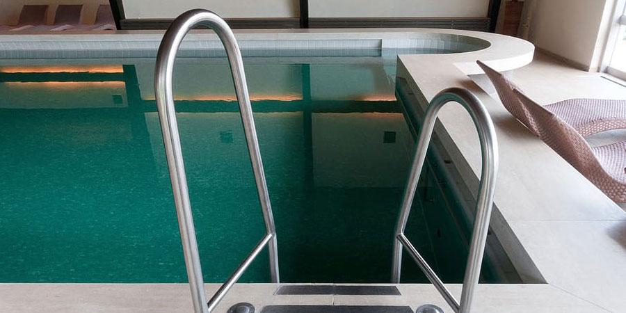 escaleras para piscinas precios