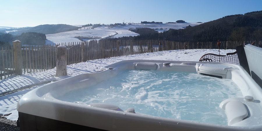 como mantener una piscina limpia en invierno